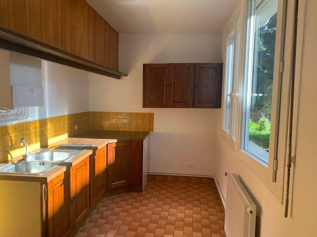 Appartement à louer 2 46m2 à Mazamet vignette-2