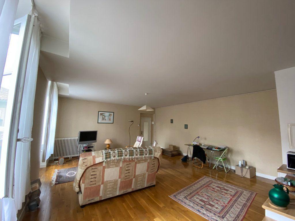 Appartement à louer 2 67m2 à Castres vignette-2