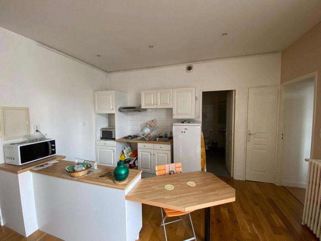 Appartement à louer 2 67m2 à Castres vignette-3
