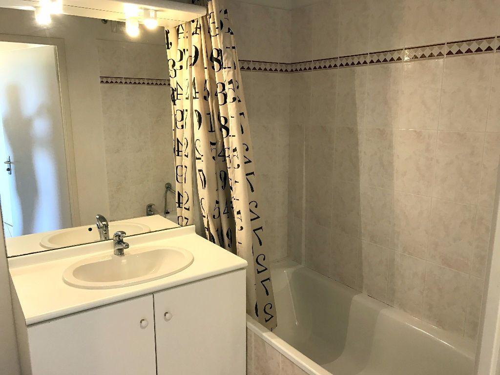 Appartement à louer 2 43m2 à Albi vignette-3
