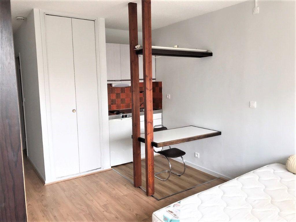 Appartement à louer 1 19.76m2 à Albi vignette-2