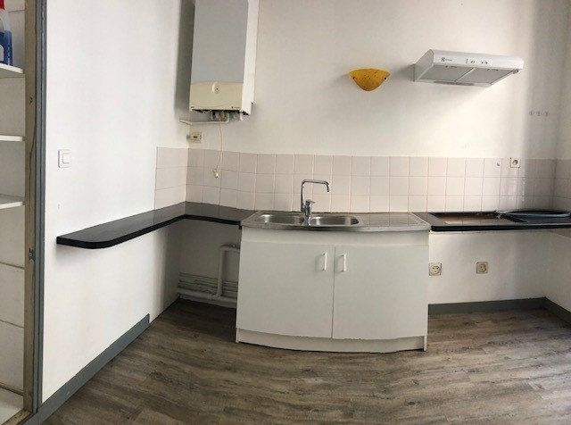 Appartement à louer 2 51m2 à Albi vignette-2