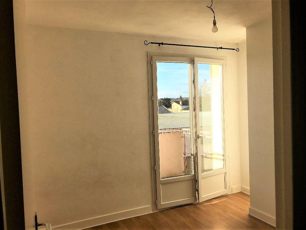 Appartement à louer 3 70m2 à Albi vignette-6