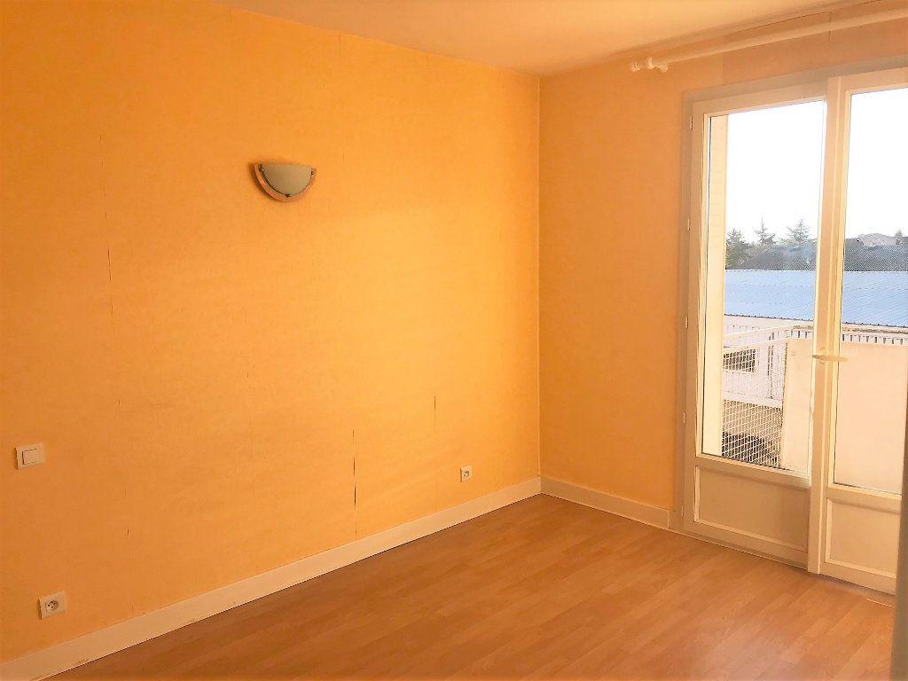 Appartement à louer 3 70m2 à Albi vignette-7
