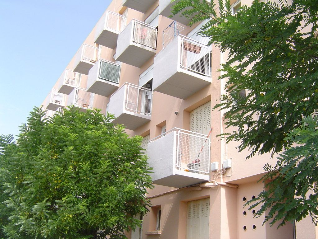 Appartement à louer 3 70m2 à Albi vignette-8