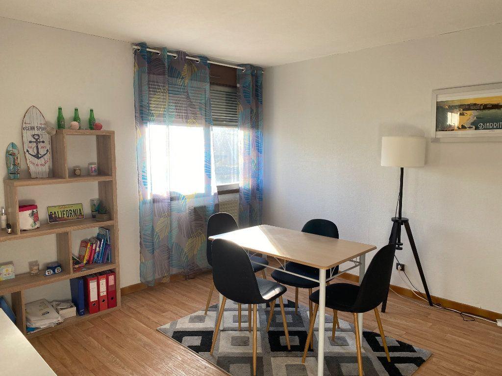 Appartement à louer 1 32m2 à Albi vignette-1