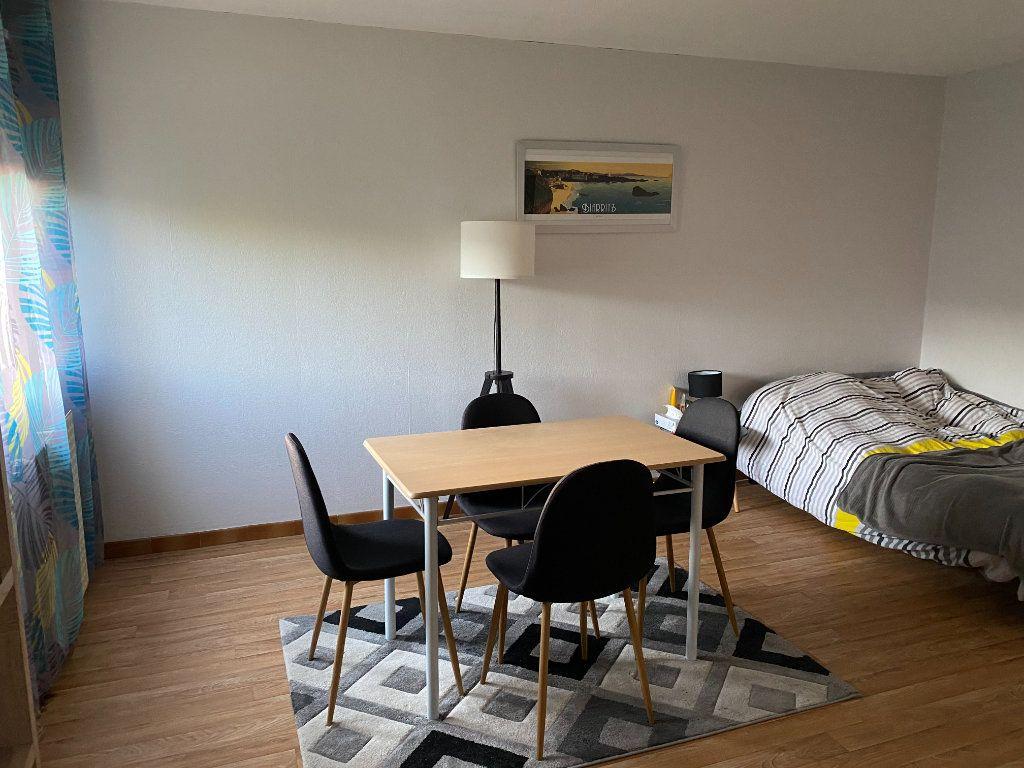 Appartement à louer 1 32m2 à Albi vignette-2