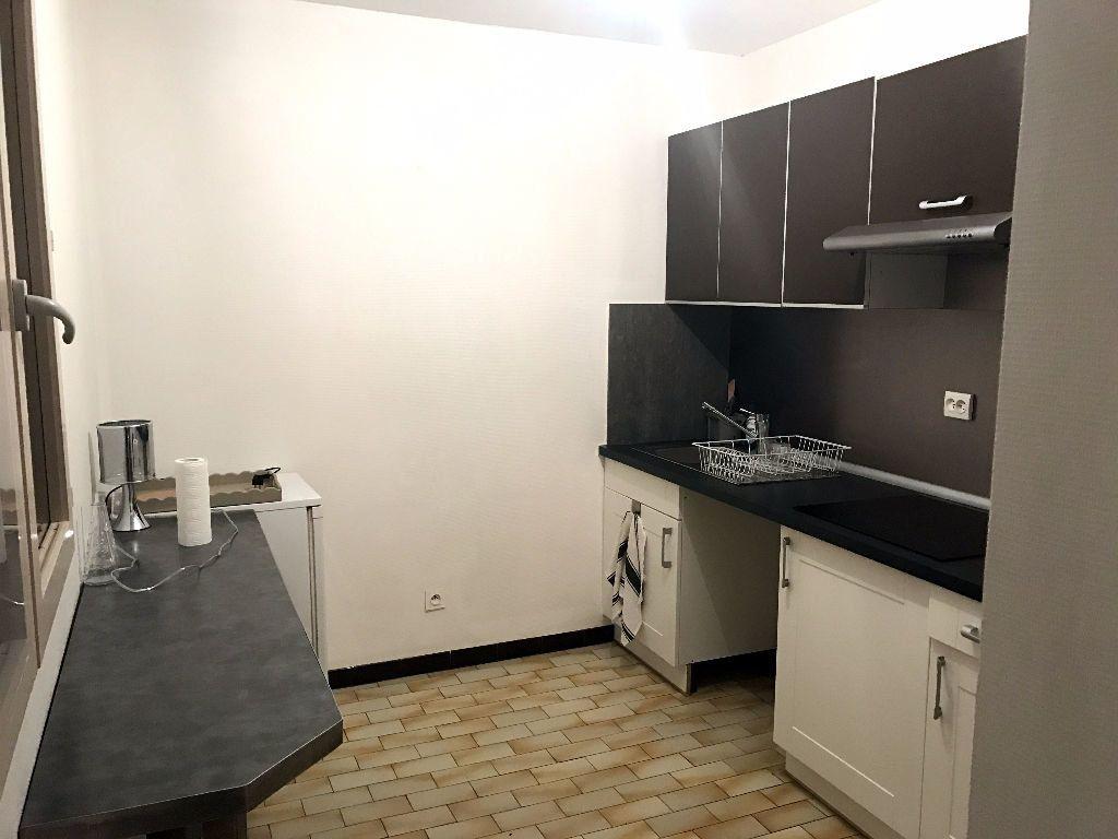 Appartement à louer 2 40m2 à Albi vignette-2