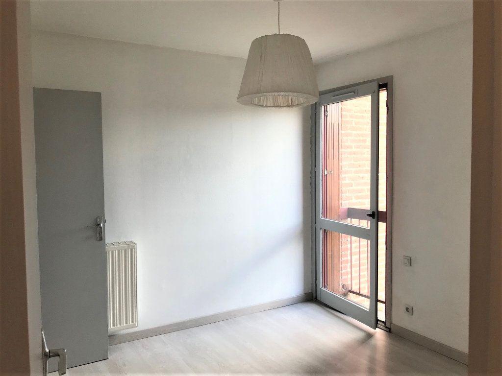 Appartement à louer 2 34m2 à Albi vignette-2