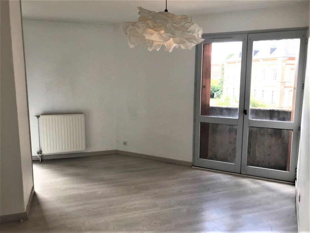 Appartement à louer 2 34m2 à Albi vignette-3