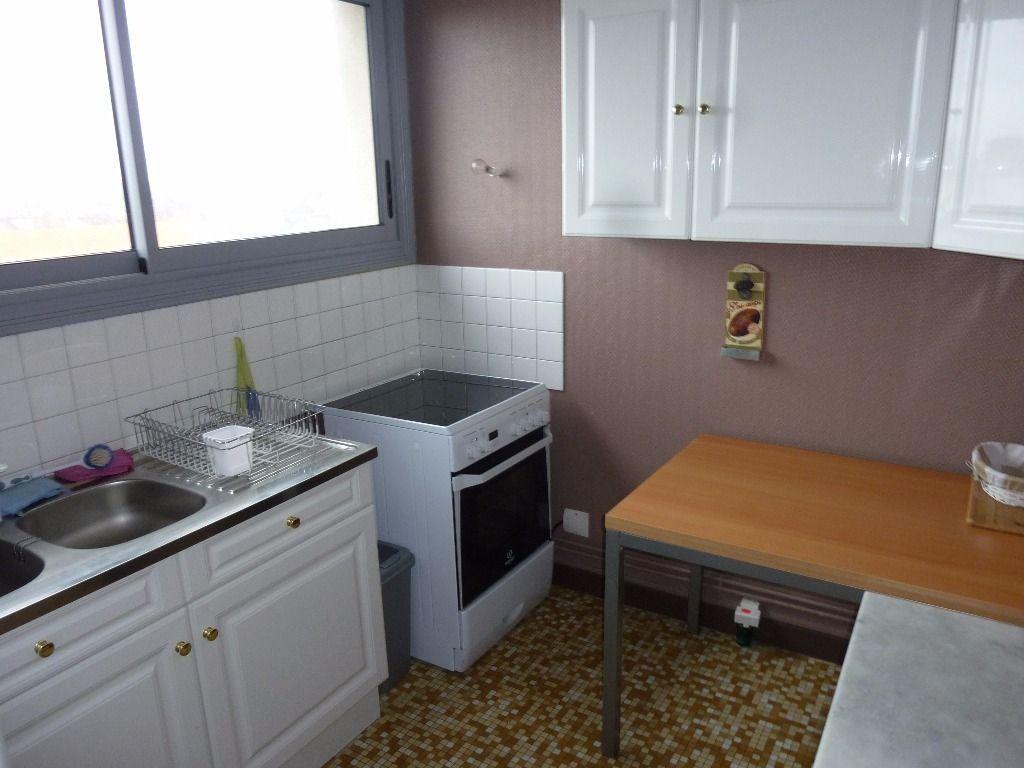 Appartement à louer 2 50m2 à Cherbourg-Octeville vignette-4