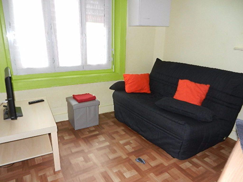 Appartement à louer 1 13m2 à Cherbourg-Octeville vignette-1