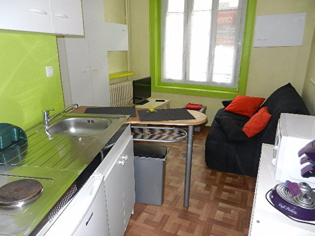 Appartement à louer 1 13m2 à Cherbourg-Octeville vignette-2