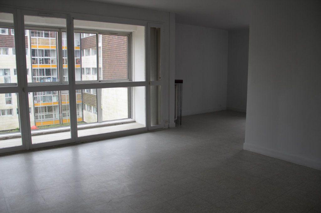 Appartement à vendre 4 81m2 à Cherbourg-Octeville vignette-1