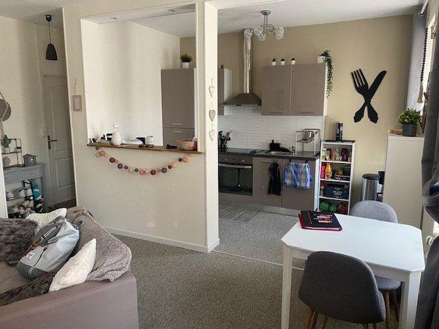 Appartement à louer 2 40m2 à Cherbourg-Octeville vignette-2