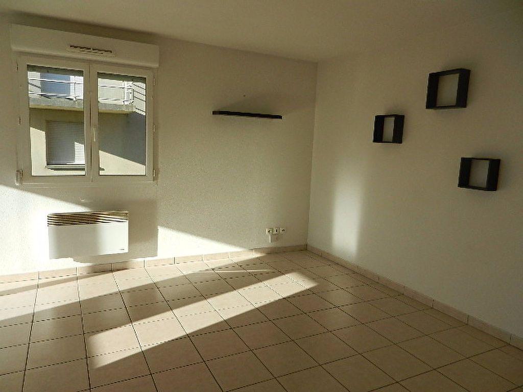 Appartement à louer 2 46.1m2 à La Glacerie vignette-4