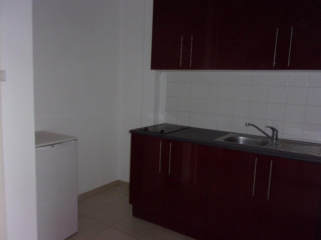 Appartement à louer 1 27.45m2 à Cherbourg-Octeville vignette-3