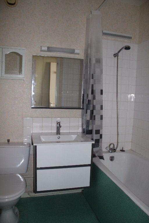 Appartement à louer 1 25m2 à Cherbourg-Octeville vignette-3