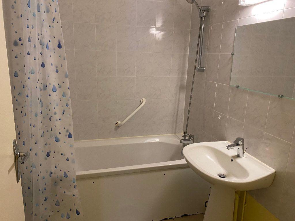 Appartement à louer 4 83m2 à Cherbourg-Octeville vignette-4