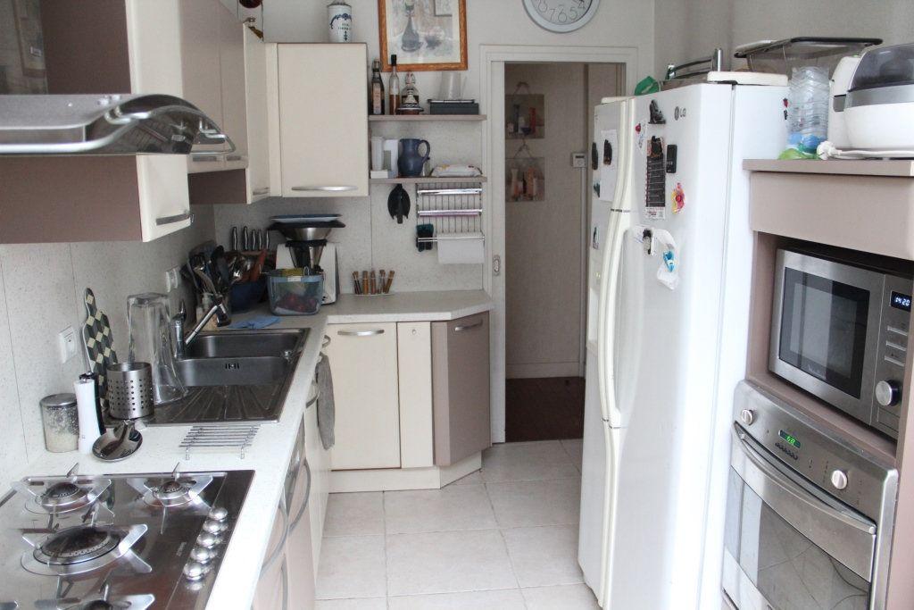 Maison à vendre 11 235m2 à Cherbourg-Octeville vignette-3