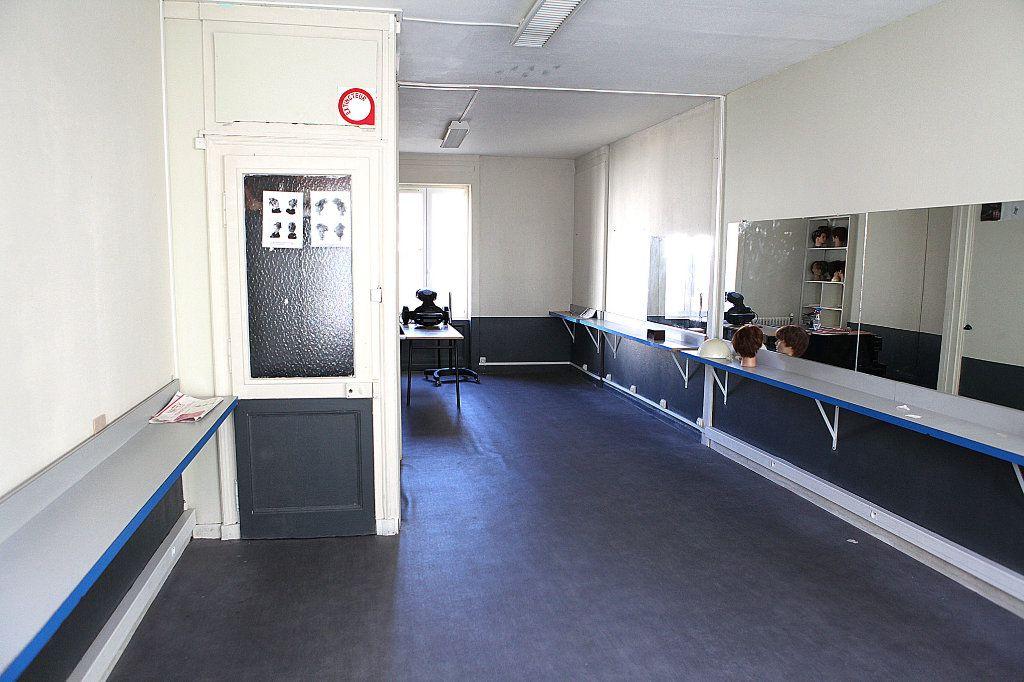 Immeuble à vendre 0 239.41m2 à Cherbourg-Octeville vignette-7