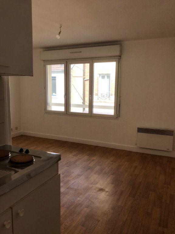 Appartement à louer 1 22m2 à Cherbourg-Octeville vignette-1