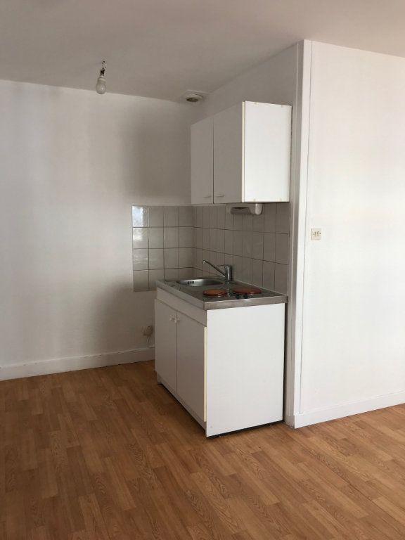 Appartement à louer 1 22m2 à Cherbourg-Octeville vignette-2