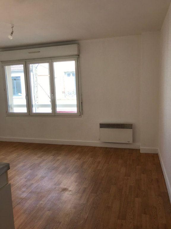 Appartement à louer 1 22m2 à Cherbourg-Octeville vignette-3
