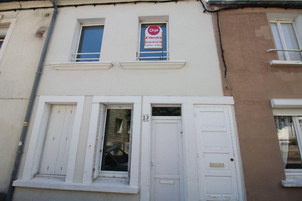 Maison à vendre 5 107m2 à Cherbourg-Octeville vignette-1