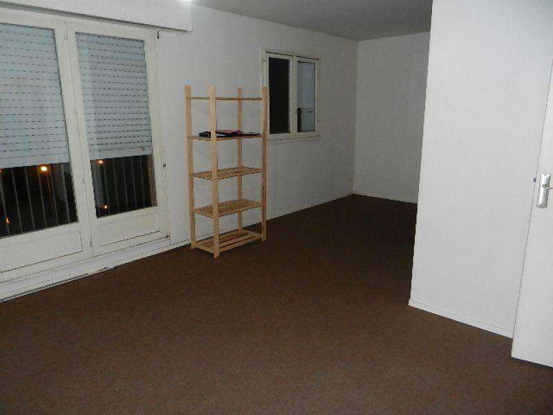 Appartement à louer 1 35m2 à Équeurdreville-Hainneville vignette-2