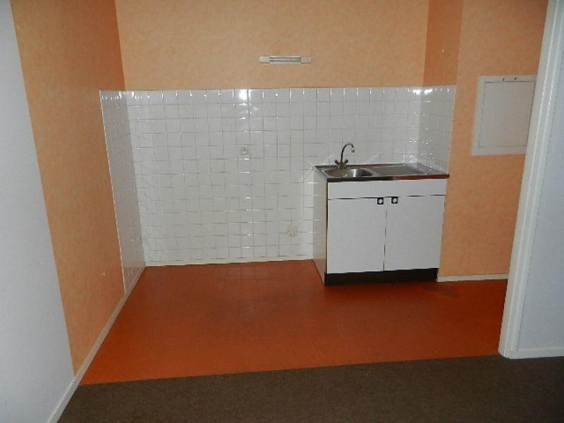 Appartement à louer 1 35m2 à Équeurdreville-Hainneville vignette-4