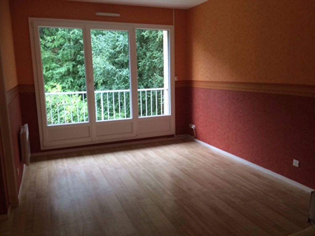 Appartement à vendre 2 50m2 à Équeurdreville-Hainneville vignette-1