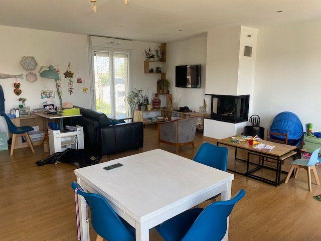 Maison à louer 4 74.5m2 à Urville-Nacqueville vignette-2