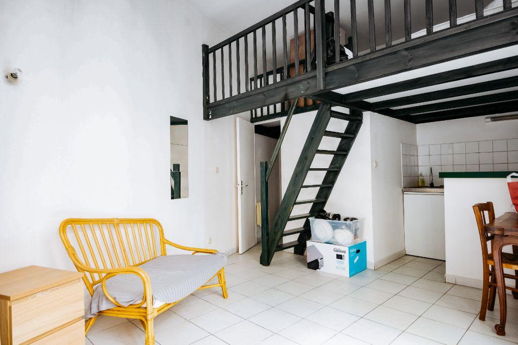 Appartement à vendre 1 20m2 à Lille vignette-1