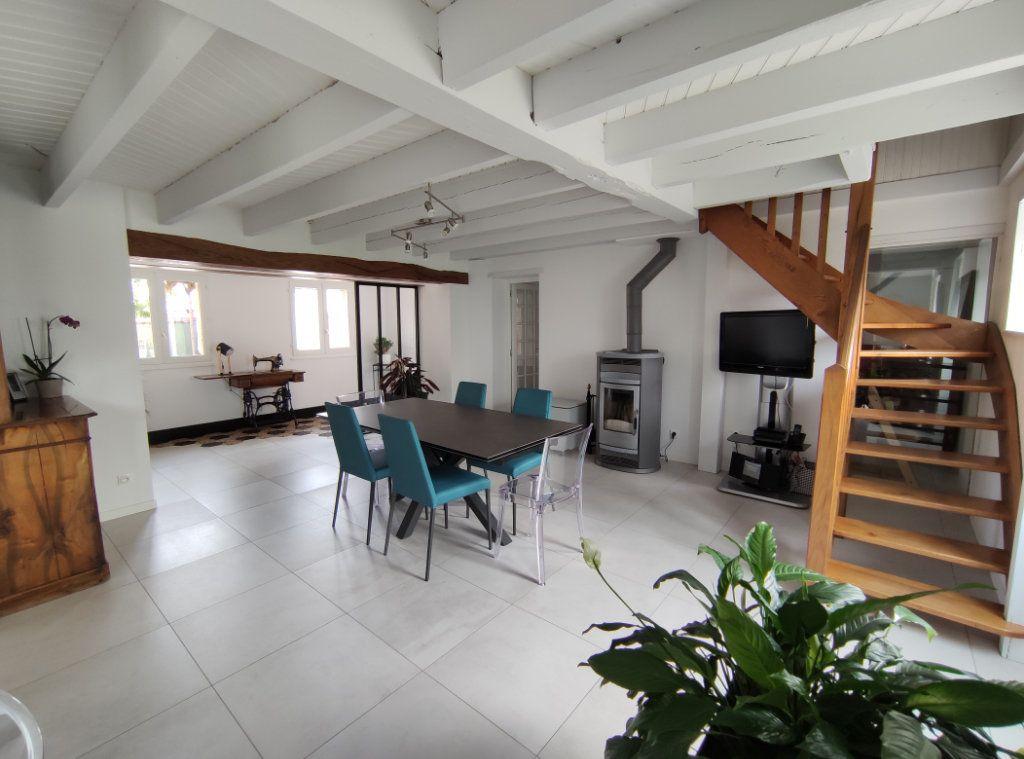 Maison à vendre 7 182m2 à Chauché vignette-4