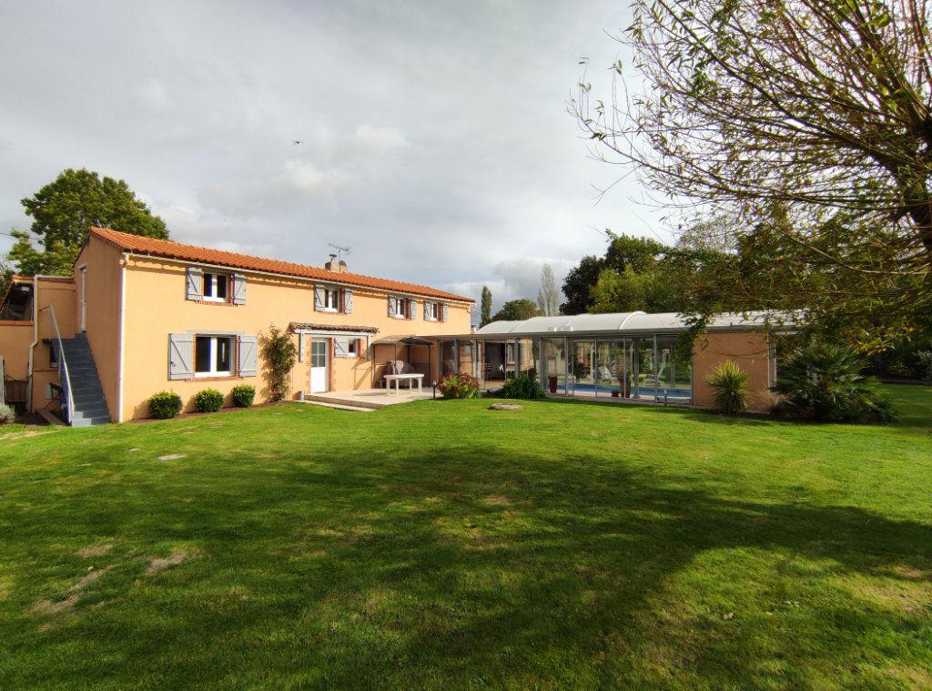 Maison à vendre 7 182m2 à Chauché vignette-14