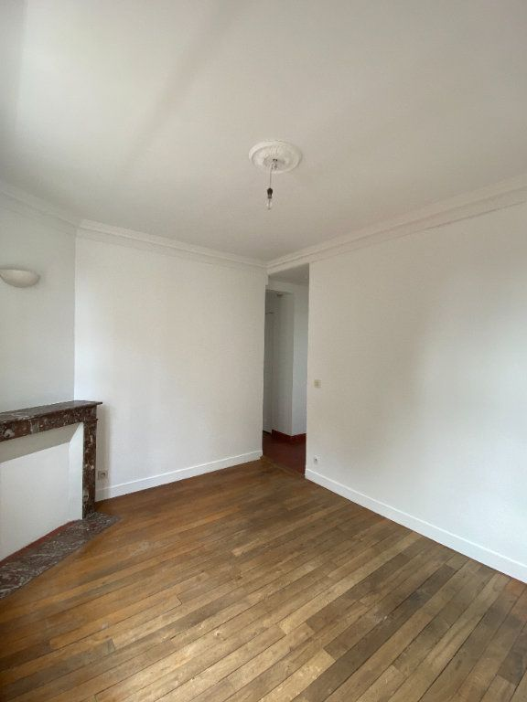 Appartement à louer 3 44.39m2 à Saint-Ouen vignette-2