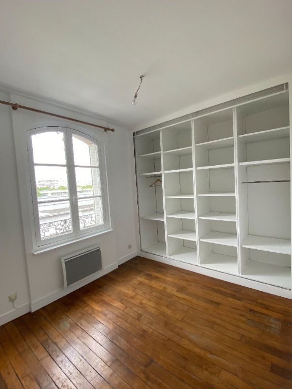Appartement à louer 3 44.39m2 à Saint-Ouen vignette-3
