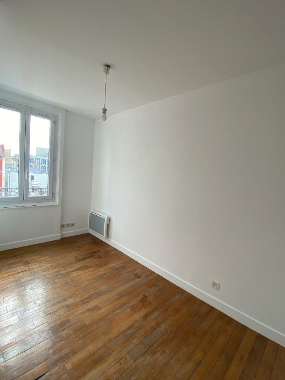 Appartement à louer 3 44.39m2 à Saint-Ouen vignette-5