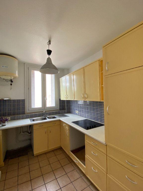Appartement à louer 3 44.39m2 à Saint-Ouen vignette-7