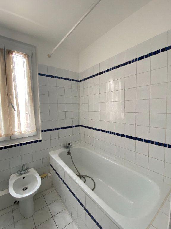 Appartement à louer 3 44.39m2 à Saint-Ouen vignette-8