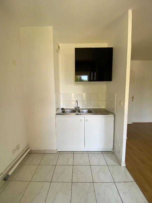 Appartement à louer 2 39.05m2 à Saint-Denis vignette-4