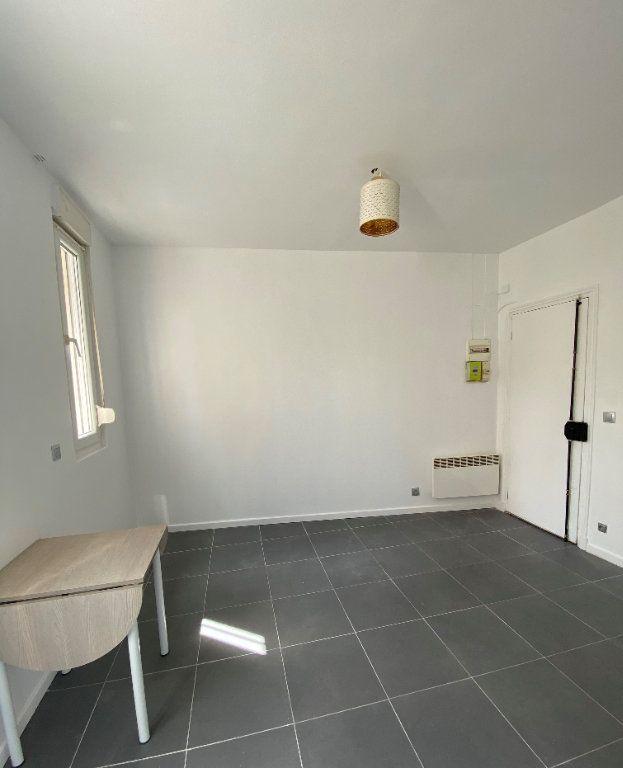 Appartement à louer 1 16.52m2 à Saint-Ouen vignette-2