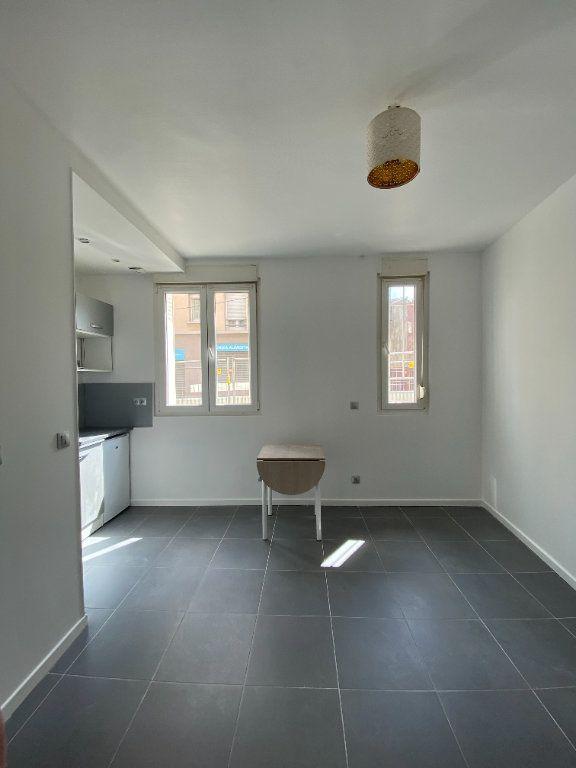 Appartement à louer 1 16.52m2 à Saint-Ouen vignette-3