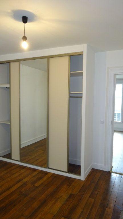 Appartement à louer 2 39m2 à Paris 17 vignette-4
