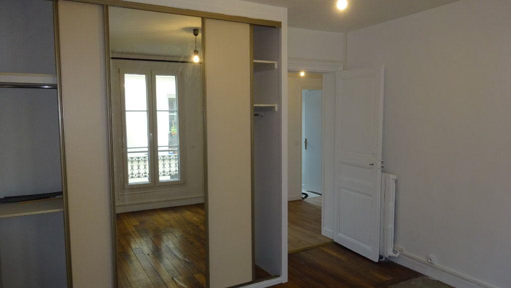 Appartement à louer 2 39m2 à Paris 17 vignette-5
