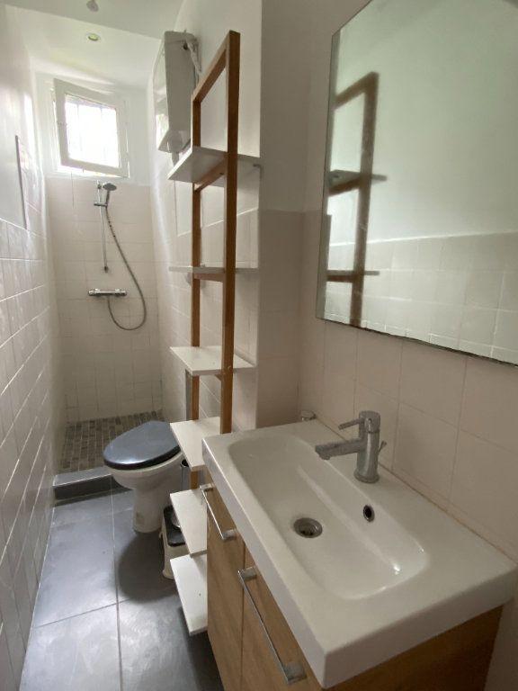 Appartement à louer 2 38.65m2 à Saint-Ouen vignette-4