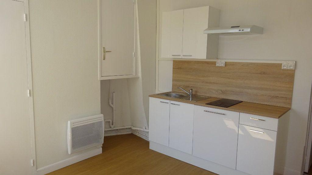 Appartement à louer 1 34.01m2 à Saint-Ouen vignette-1
