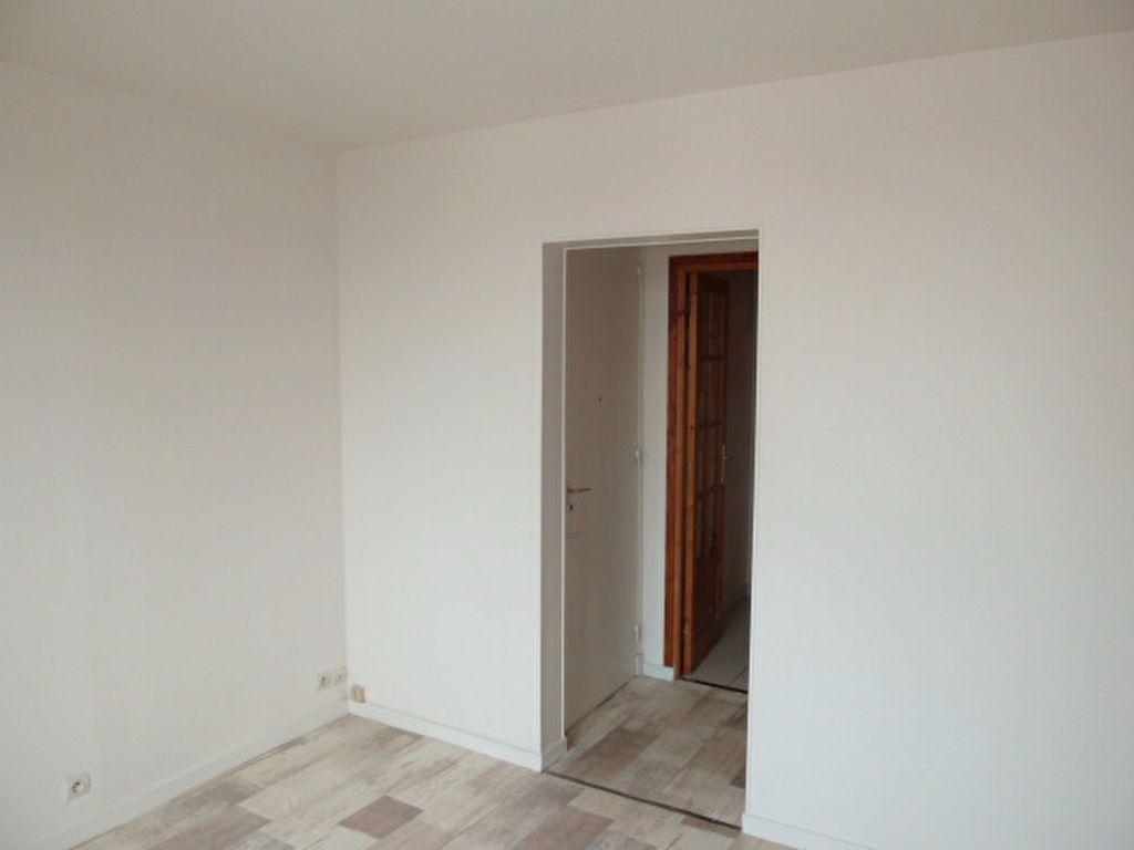 Appartement à louer 2 29.14m2 à Saint-Ouen vignette-7