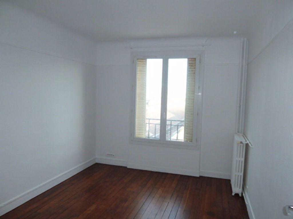 Appartement à louer 3 62.14m2 à Saint-Ouen vignette-3